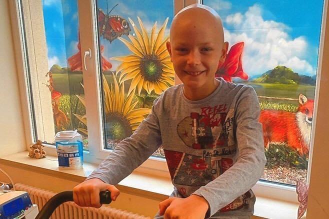 Mahlsdorf LIVE - Spenden für Zehnjährigen: Mahlsdorfer Kicker-Kinder sammeln für krebskranken Stanley
