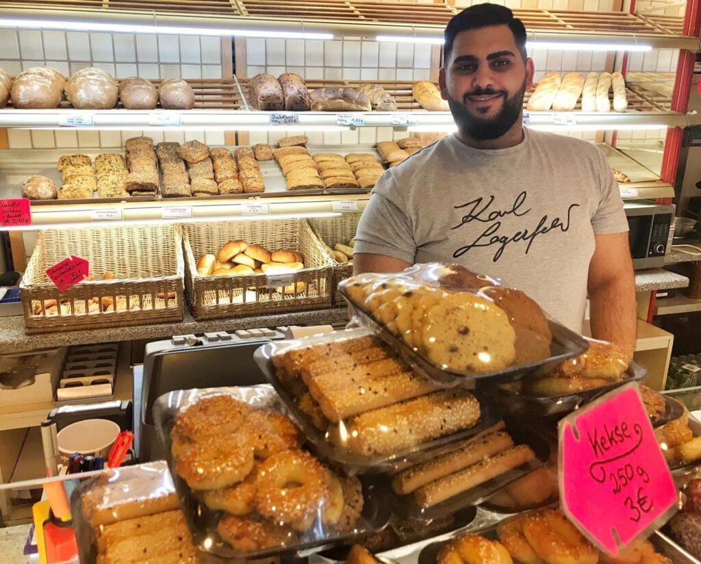 Mahlsdorf LIVE - Neuer Bäckerei-Chef: Mustafa aus dem Märkischen Viertel verkauft jetzt Ost-Schrippen in Mahlsdorf