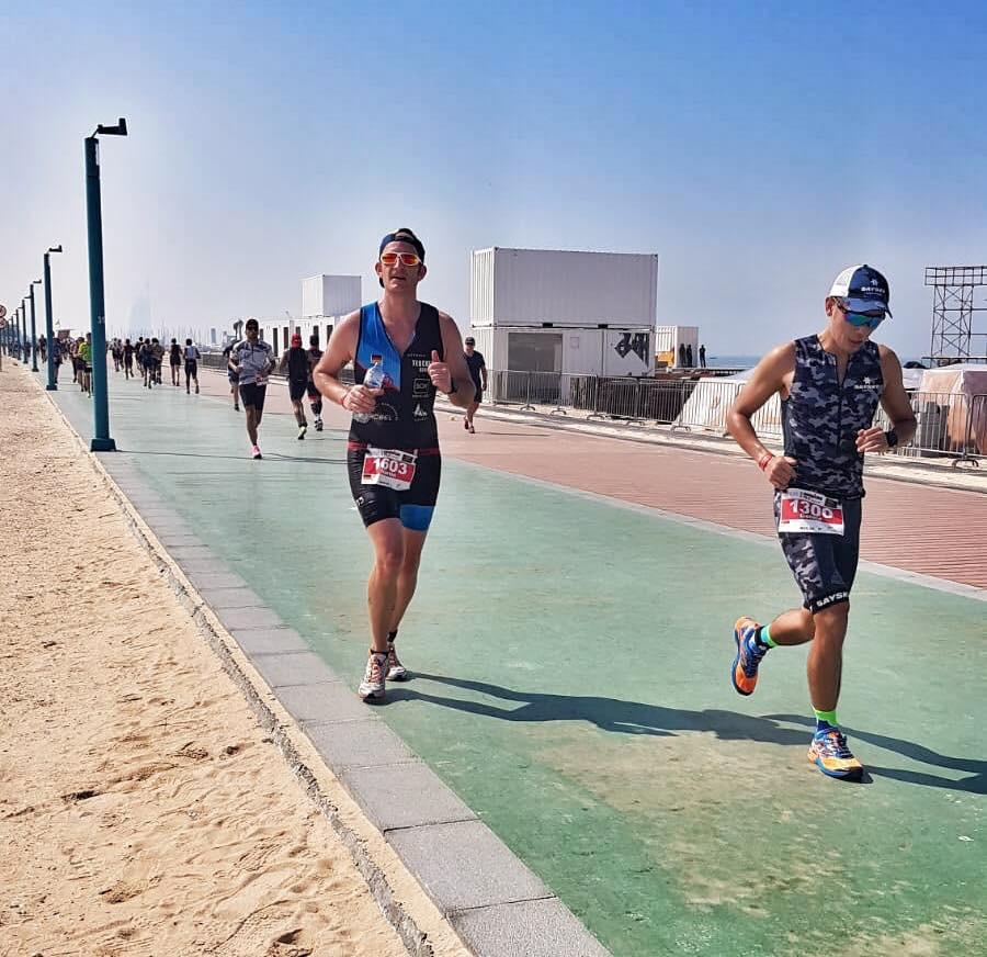 Mahlsdorf LIVE - Mit Tränen in den Augen durchs Ziel: Mahlsdorfer Feuerwehrmann schafft Ironman in Dubai