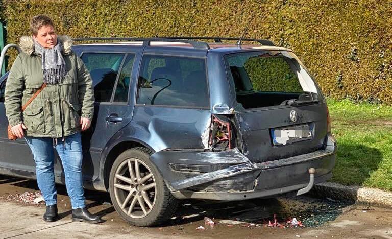 """Mahlsdorf LIVE - Mahlsdorfer Familie sauer: """"Jemand ist in unser Familienauto geknallt und abgehauen"""""""