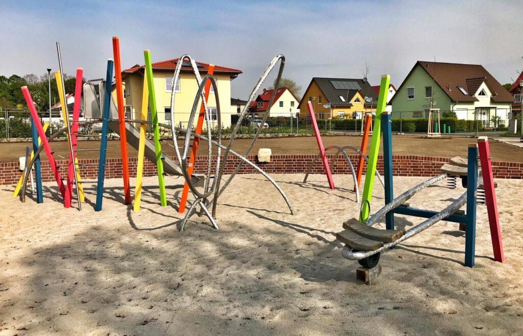 Mahlsdorf LIVE - Das Ordnungsamt kontrolliert die Einhaltung: Mahlsdorfer Spielplätze seit heute gesperrt