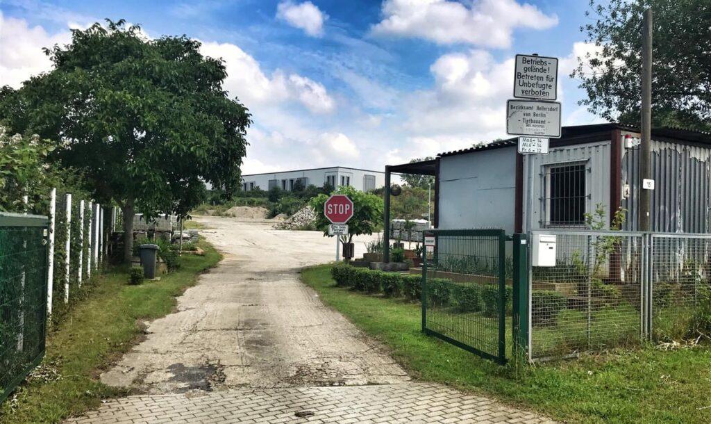 Mahlsdorf LIVE - Zwei Mahlsdorfer Grundstücke möglich: Bezirksamt sucht Platz für weitere Grundschul-Container