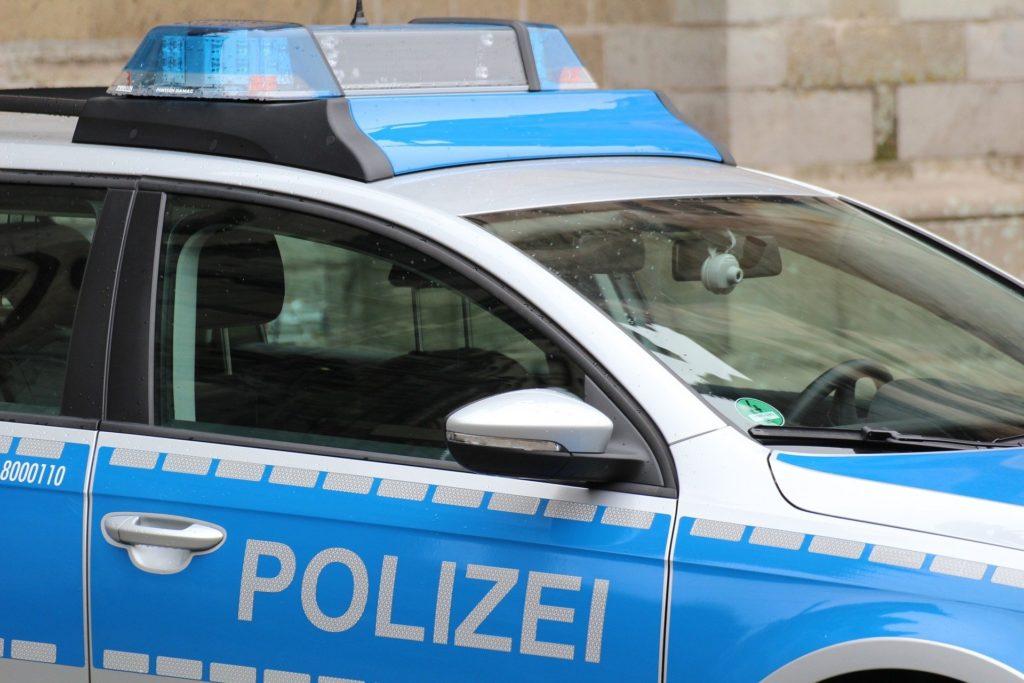 Mahlsdorf LIVE - Nach Einbruch in der Summter Straße: Diebe fliehen, rammen Polizei, werden geschnappt