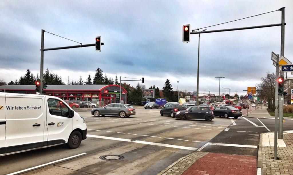 Mahlsdorf LIVE - Die Kreuzung B1/Straße an der Schule wird künftig zum Mahlsdorfer Hauptverkehrsknotenpunkt.