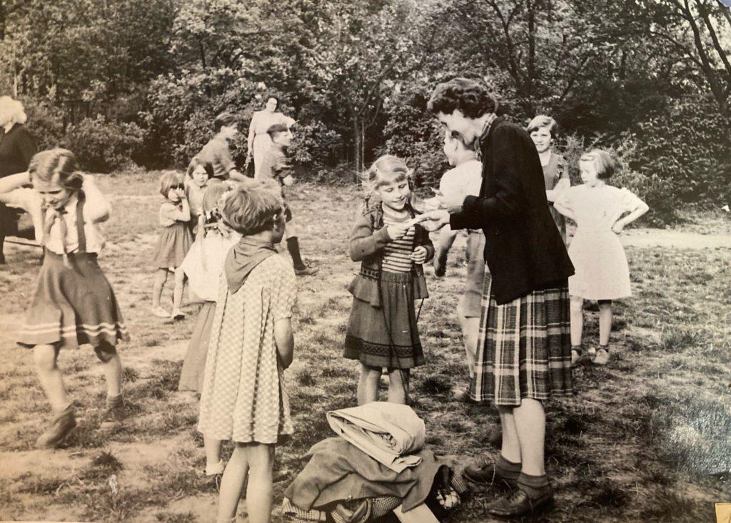 Mahlsdorf LIVE - Unterricht auf dem Schulhof in den 1930er-Jahren