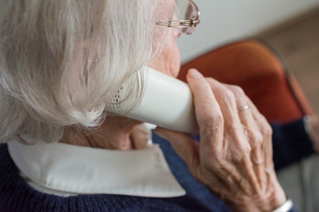 """Mahsldorf LIVE - Neues Angebot: Telefonischer """"Hausbesuch"""" für Senioren"""
