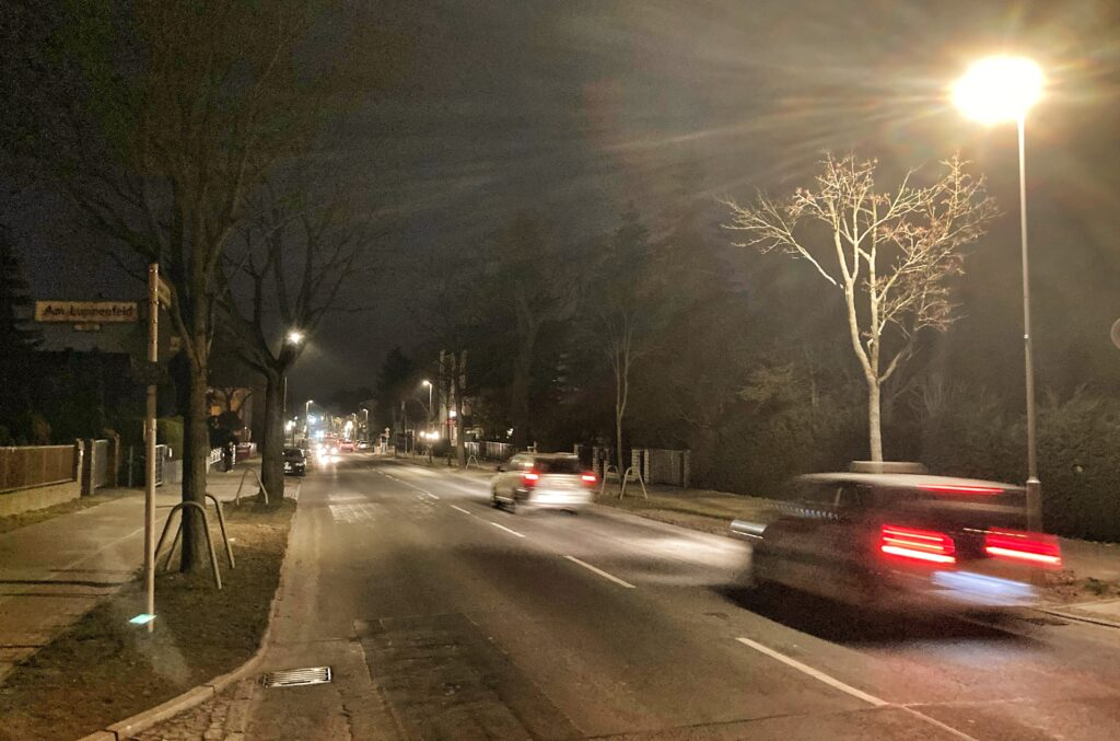 Mahlsdorf LIVE - Jährliche Ersparnis von 51 Tonnen CO²: Umrüstung auf LED-Laternen in Hönower Straße fast abgeschlossen